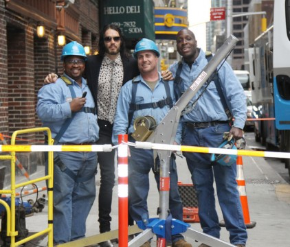 78001d67a905 001.jpg 422x360 Russell Brand And His Con Ed Crew