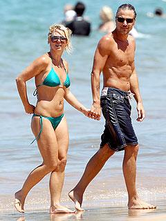 2f27acceac223051.jpg Britney Spears and Jason Trawick image beach