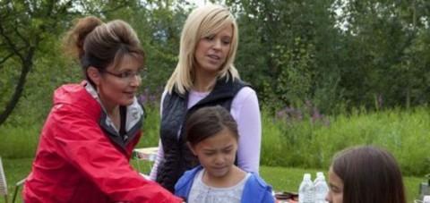 8d2e2de26125919.jpg 480x227 Sarah Palins Alaska Recap: Sarah and Kate Plus Fate