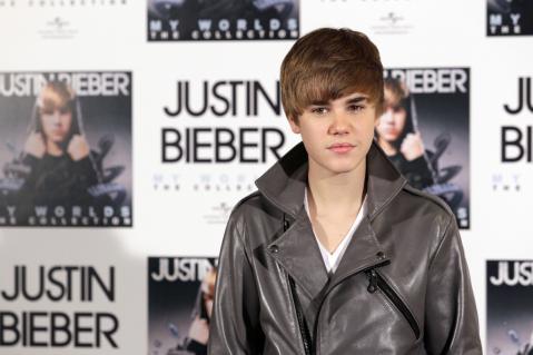 eb87ac981879x319.jpg Justin Bieber Dominates Google, YouTube