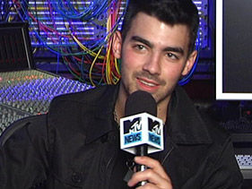 2f37a6e40e81x211.jpg Joe Jonas Wants Fans To Dance To His Solo Album