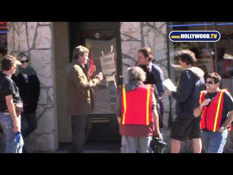e0150018ac0.jpg Matt Damon Films a Scene for We Bought a Zoo