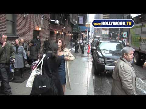 860009e8ad0.jpg Kate Walsh Strips for Paparazzi Outside David Letterman