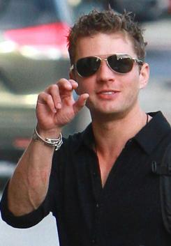 9d485138ac45x353.jpg Ryan Phillippe to Alexis Knapp: You Sold Me Out!