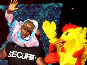 b08a8c472f81x211.jpg Odd Future Run Wild At The Woodies: Watch Backstage Footage Now!