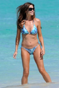 25fe6ecad1ahamas.jpg 240x360 Denise Richards Whore Mom Body in a Bikini of the Day