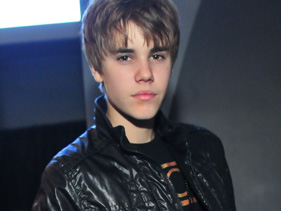 a2e0b65d00x211 3.jpg Justin Bieber Pestered By Paparazzi In Israel