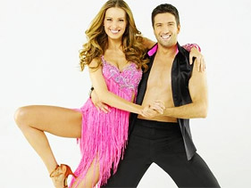e1fcb820bd81x211.jpg Dancing With The Stars Recap: Petra Is Out, Pia Toscano Is In