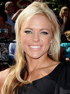 2b7950621b195704.jpg Jennie Finch give birth