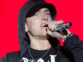 5cc047edca81x211.jpg Bonnaroo 2011: Eminem, Lil Wayne, Mumford & Sons Steal The Show