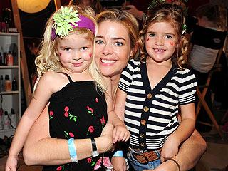 6c148aba4a200711.jpg Denise Richards daughters Sam and Lola