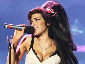 d1d47b895e81x211.jpg Amy Winehouse Cancels Dates After Disastrous Belgrade Show