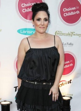 f0d4c4b6f445x472.jpg 263x360 Ricki Lake Sued Over House Fire