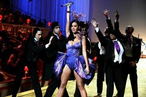 092196418c12x341.jpg 480x319 MTV Video Music Awards 2011: Full List of Nominations