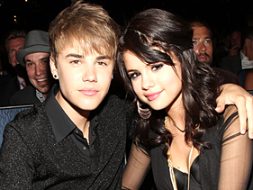 0ea03e125881x211.jpg Justin Bieber Joins Selena Gomez Onstage