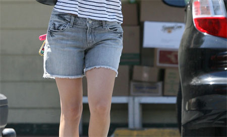 1050e2f79cShorts.jpg Rachel Bilson Crazy Person Shorts of the Day