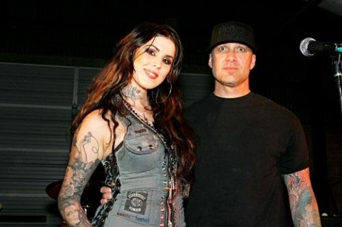 412009122400x333.jpg 480x319 Jesse James and Kat Von D: Its Over!