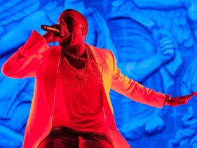4a8ae4249981x211.jpg Kanye West Lights Up Superdome At Essence Fest