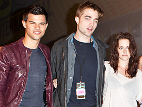 4df0c888d581x211.jpg Breaking Dawn At Comic Con: Top Five Moments