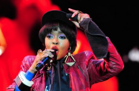 b1786577b403x330.jpg 480x314 Lauryn Hill Welcomes Sixth Child!