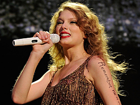 fadd2bc34381x211.jpg Taylor Swifts Speak Now Tour Brings Honky Tonk To NJ