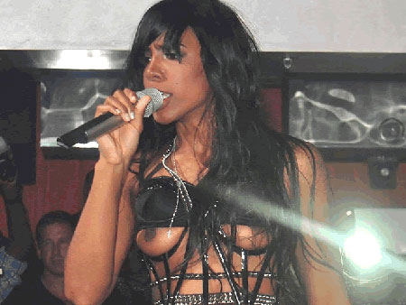 613ec5e80enction.jpg Kelly Rowland Nipple Slip for Attention of the Day