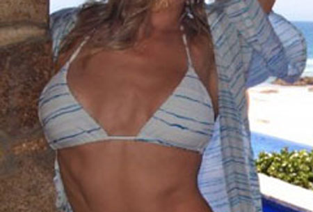 786761c52eModel.jpg LeAnn Rimes is a Swimsuit Model of the Day