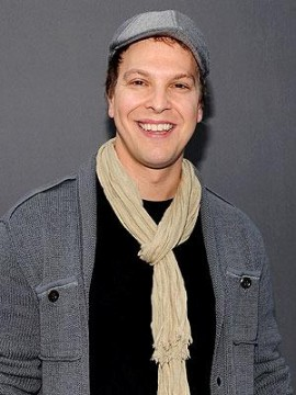 84f591a296212910.jpg 270x360 Gavin DeGraw Hospitalized