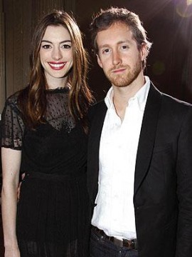 95ae98b1d4213006.jpg 270x360 Anne Hathaway boyfriend Adam Shulman