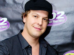 abe83444f781x211.jpg Gavin DeGraw Released From Hospital