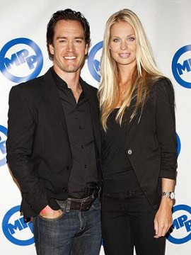 f1550c3f02195245.jpg 270x360 Mark Paul Gosselaar and Catriona McGinn Engaged